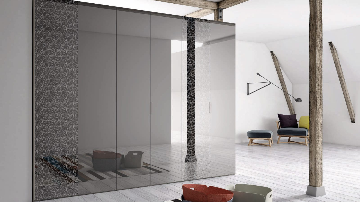 Specchio Virgola hinged door
